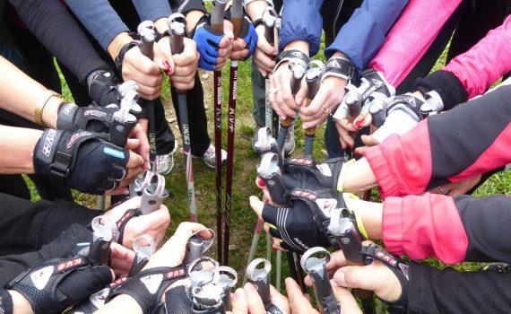 Nordic walkingos kezek